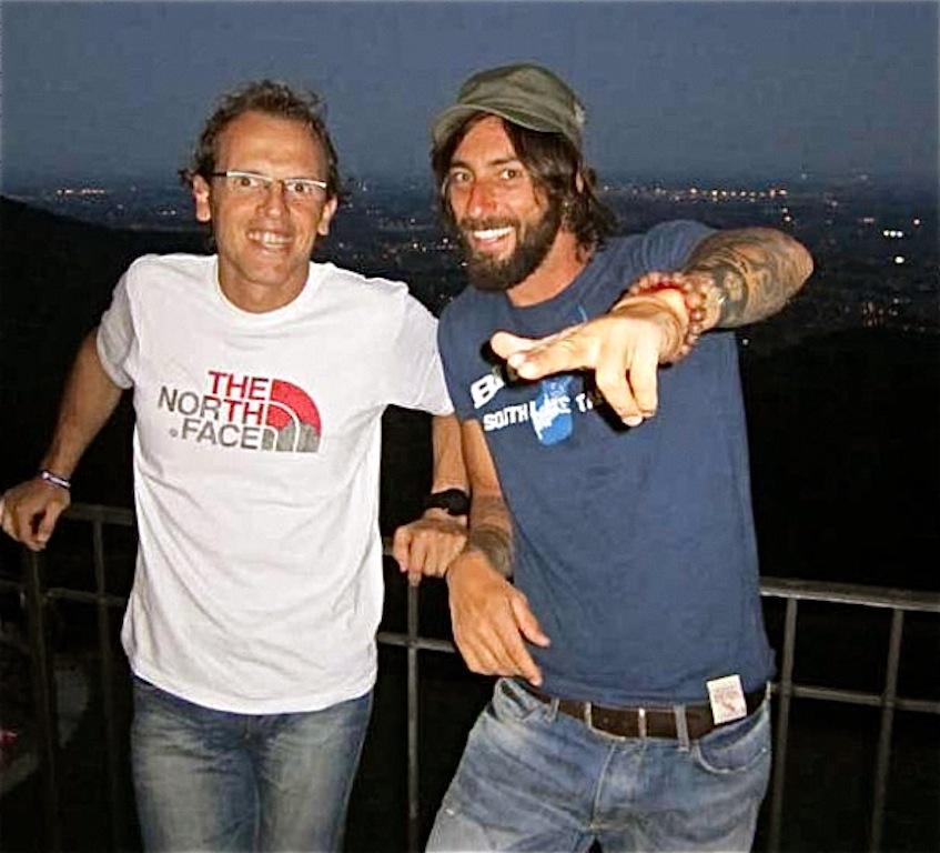 Simone Moro e Vittorio Brumotti prima della partenza per l'Everest (foto archivio Moro).