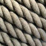 Anticaglia? Eppure, sessant'anni fa, le corde da alpinismo erano fatte così...