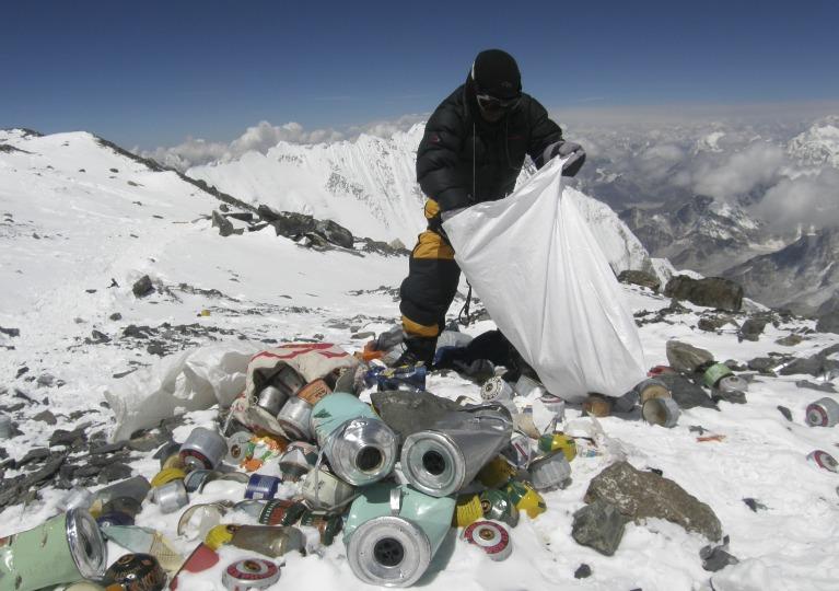 Volete L'Everest? Pulitelo