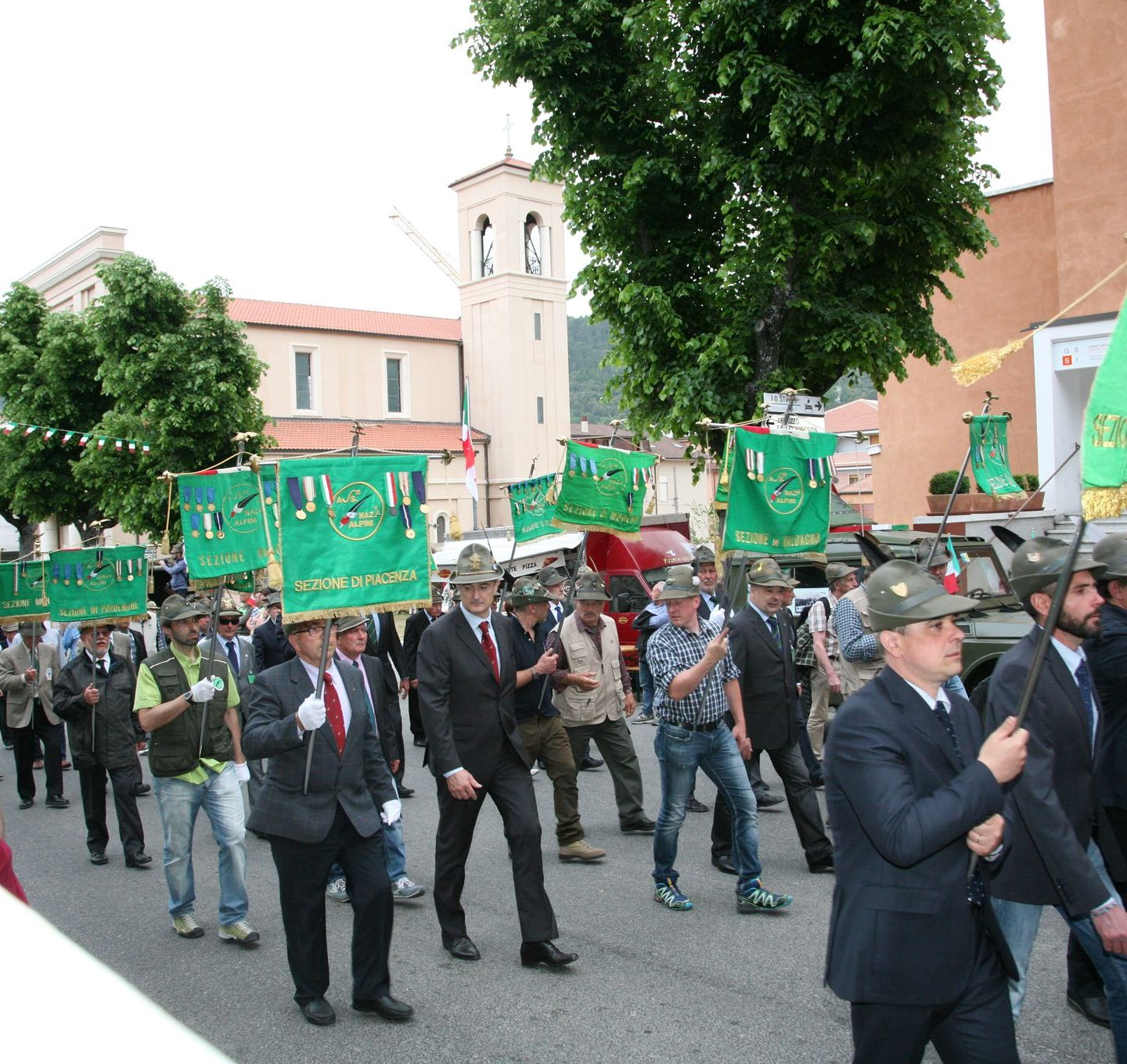 Gli alpini all'Aquila